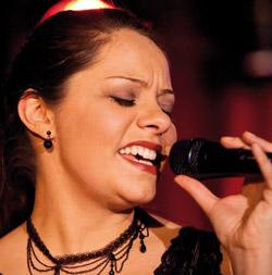 Unsere Gesangs-Lehrerin Dorothee Beyler gibt Gesangsunterricht